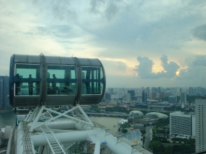 Brauciens ar Singapore Flyer